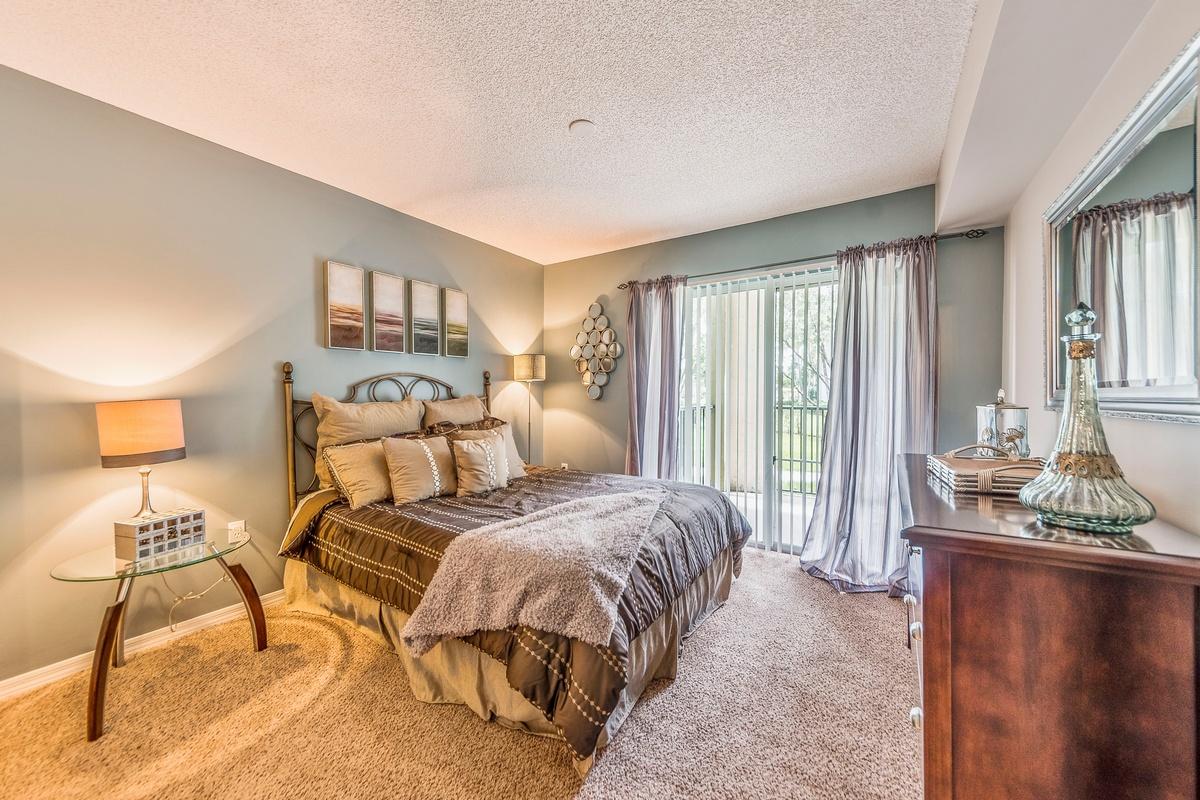Lincoln Property Company - Properties - Coral Vista Tamarac Fl